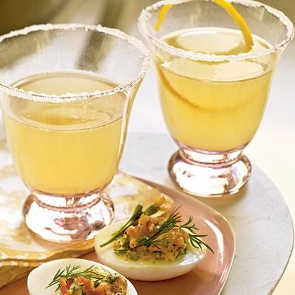 Limoncello-Champagne Italian Cocktail Recipe!
