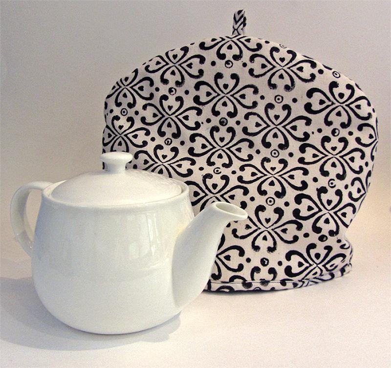 How to sew reversible tea cozy