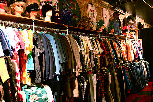 second hand clothes shop 4